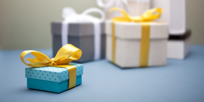 Buy Marvelous Gifts for Her Special Day