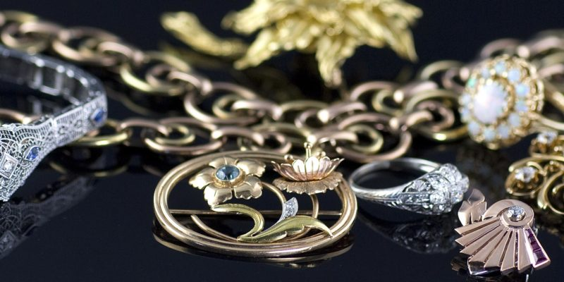 Buy a Timeless Piece of Jewelry
