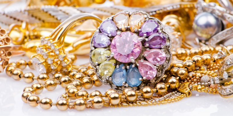 What to Buy Wife For Christmas? Have You Considered Stylish Jewelry Yet?
